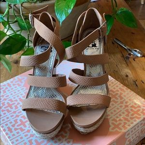 Gianni Bini wedge
